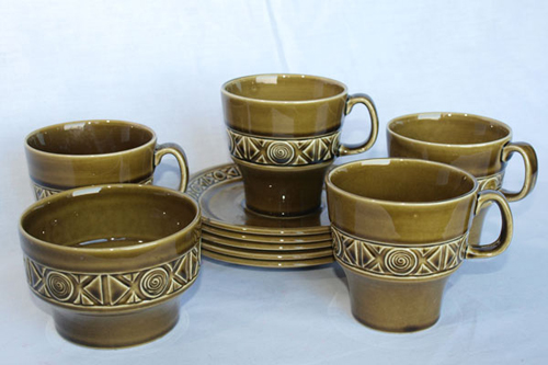 BESWICK COFFEE CUPS/ SAUCERS/ SUGAR BASIN